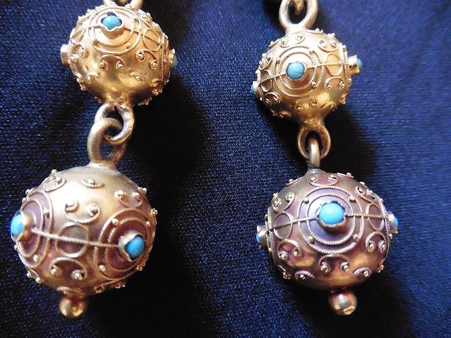 Boucles d oreilles matelotes deux boules d or et turquoises