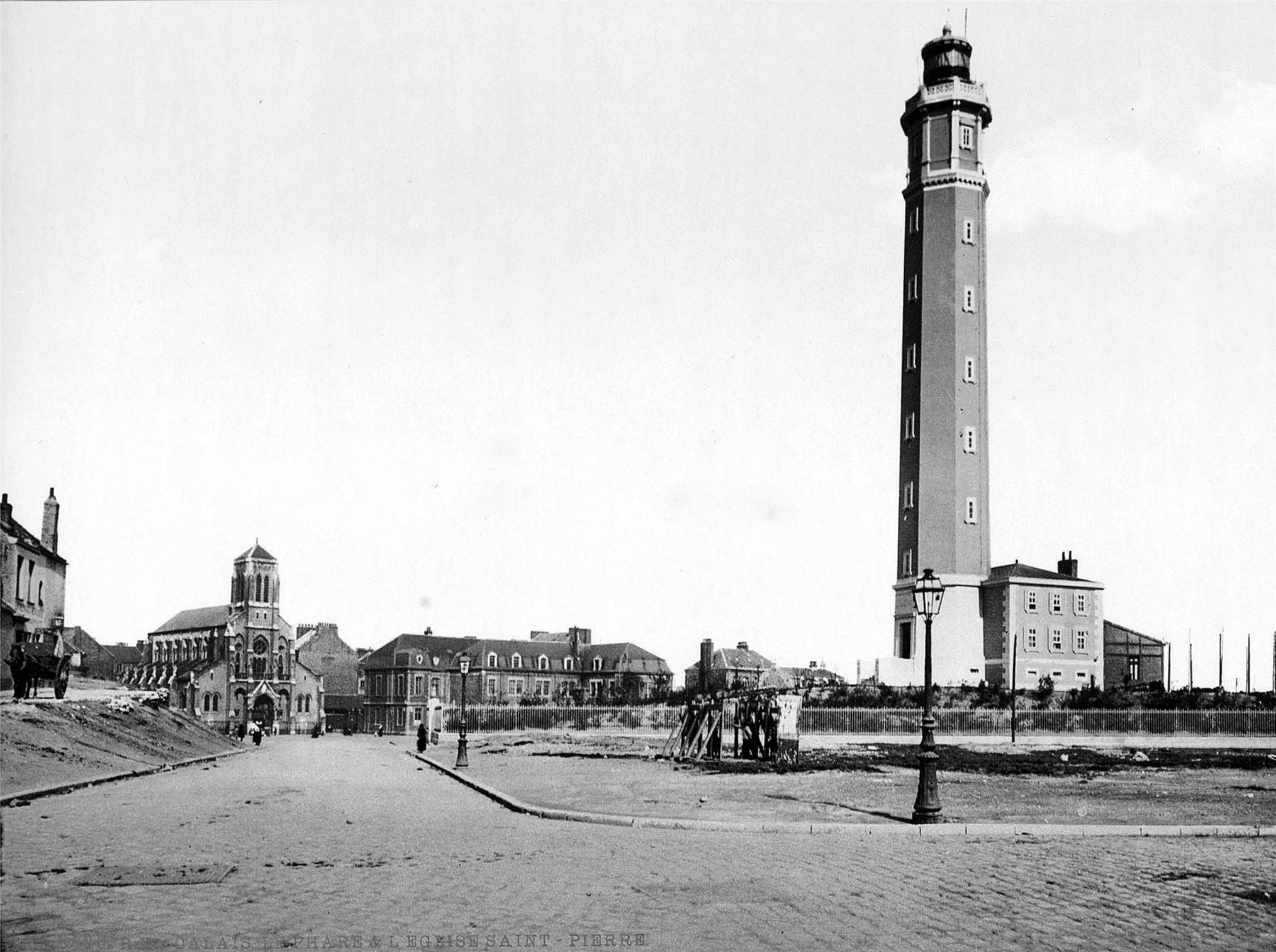 Calais 1895 le phare et ses environs