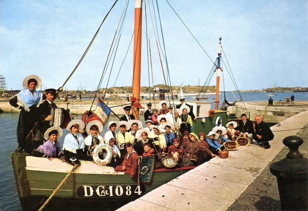 Calais cal et groupe folklorique