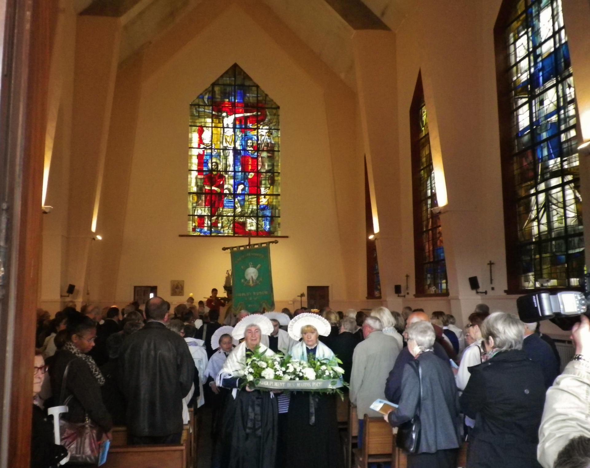 Calais celebration de la messe a saint pierre saint paul de calais