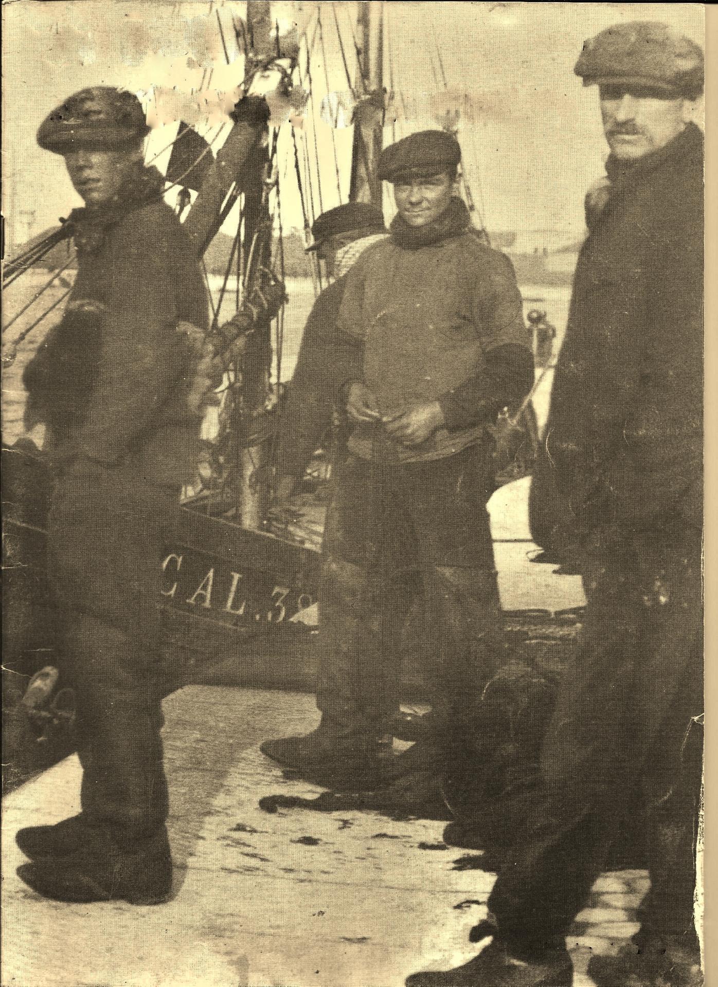 Calais courgain pecheurs sur les quais