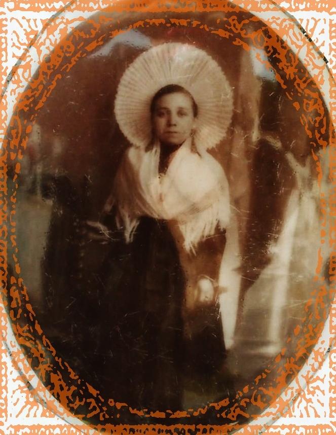 Calais courguinoise marie dupuis 1888 1971 epouse de pierre charles mulard 1877 1952 encadree