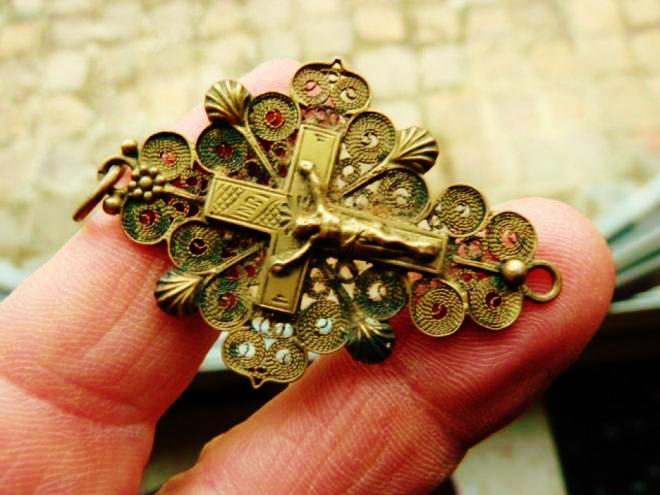 Calais croix boulonnaise en argent herve tavernier calais courguinoise