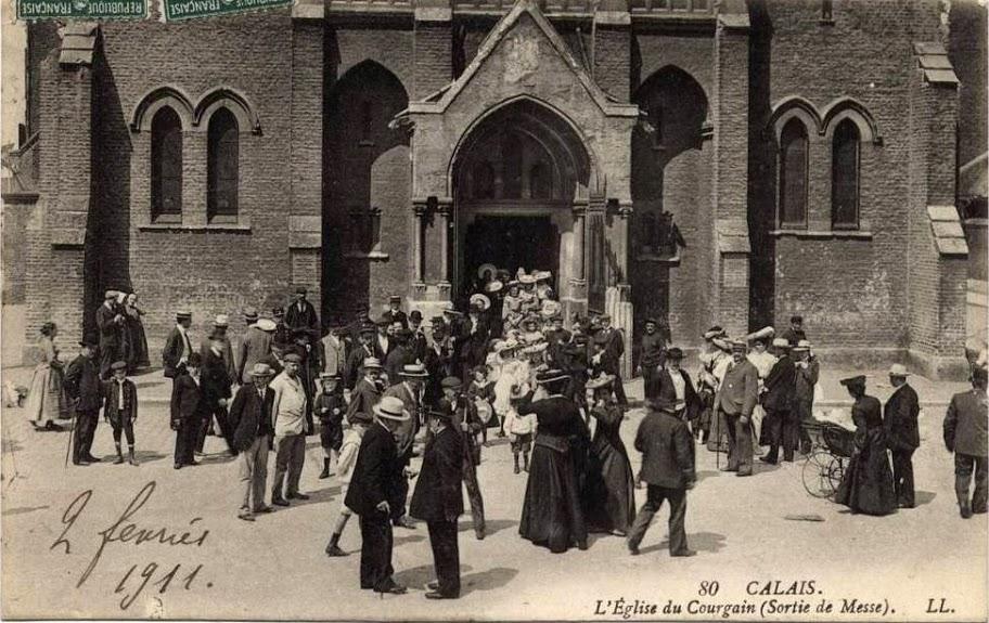 Calais eglise du courgain sortie de la messe