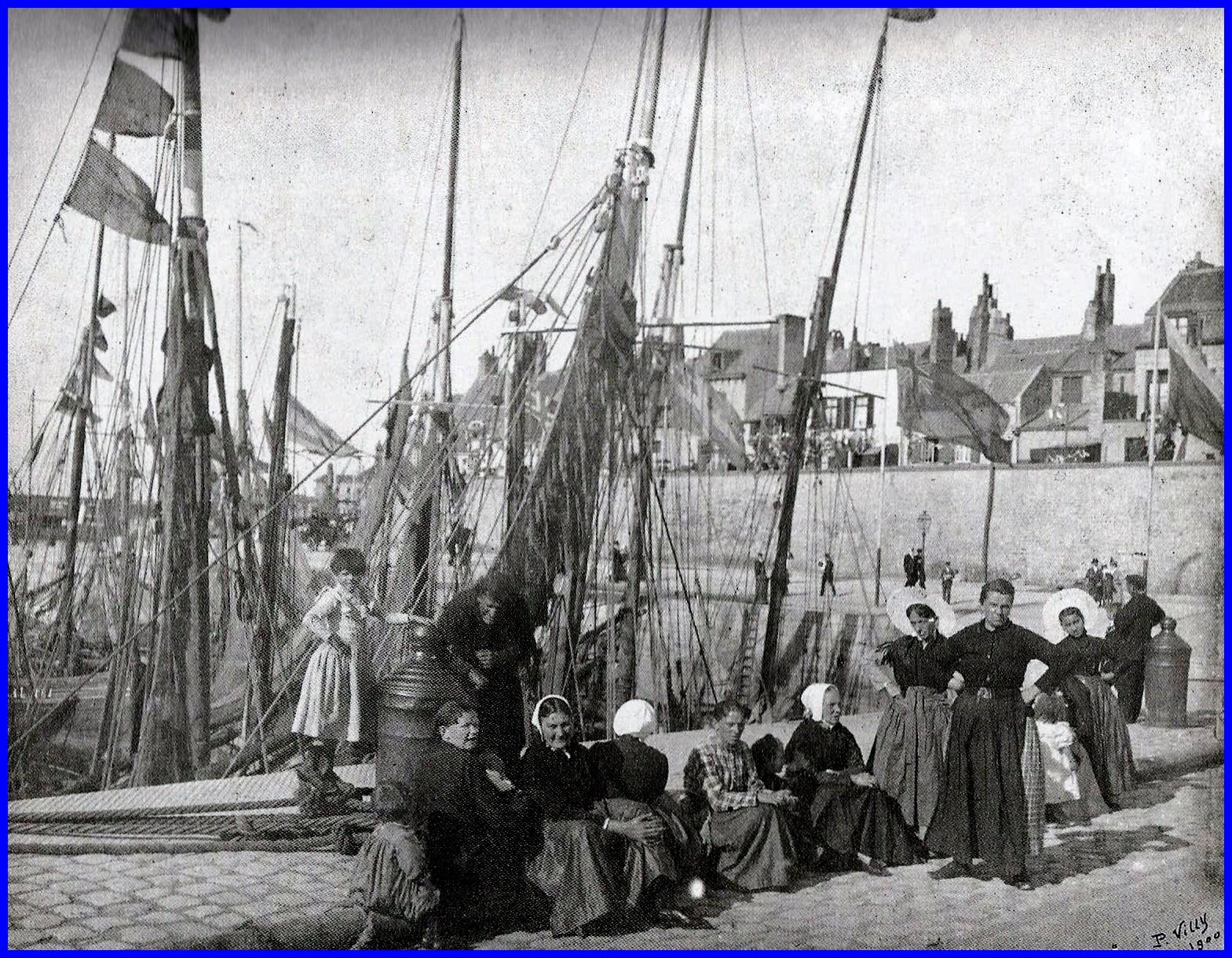Calais le bassin du paradis et matelotes du courgain 1900 encadre