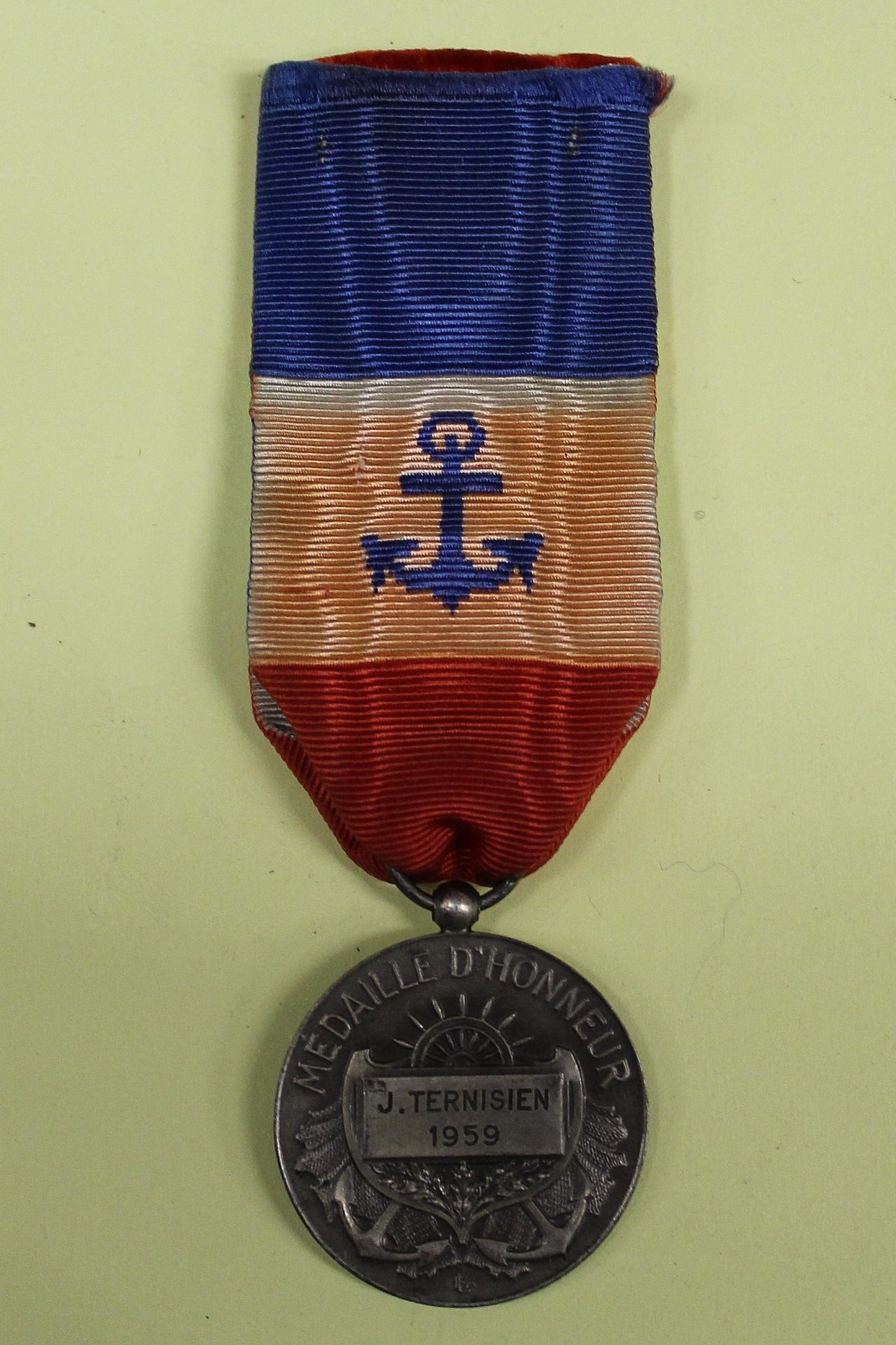 Calais medaille d honneur de sauveteur j ternisien 1959