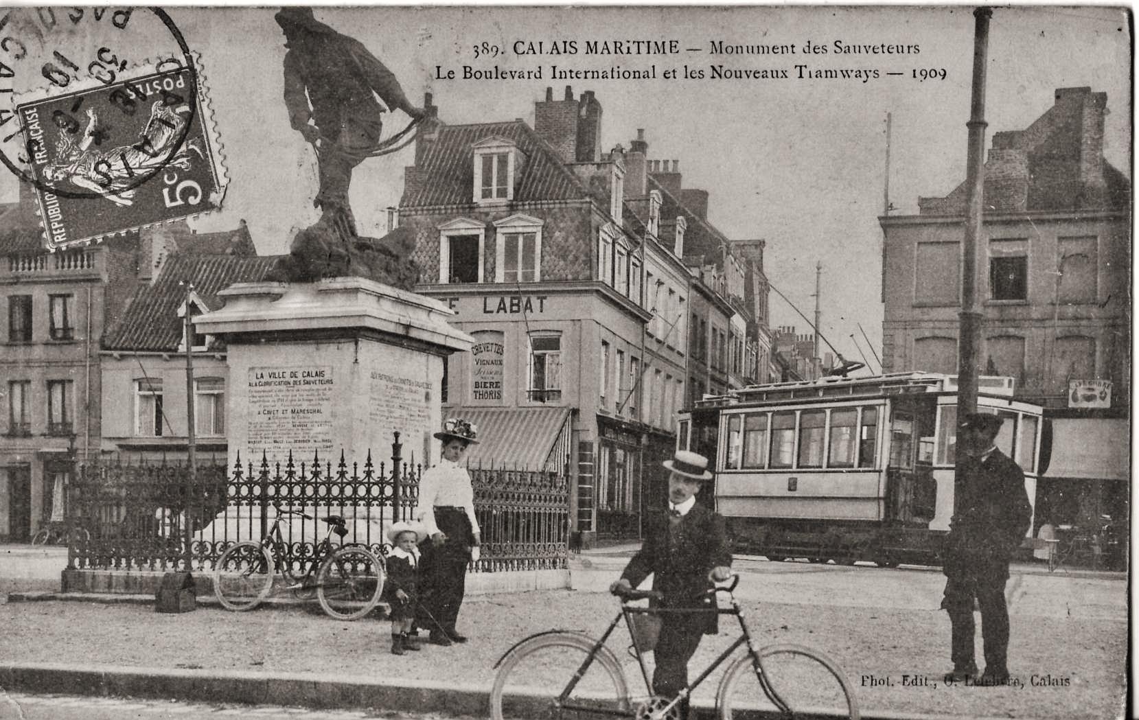 Calais monument des sauveteurs