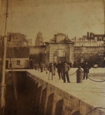 Calais porte de la mer entrée du Courgain