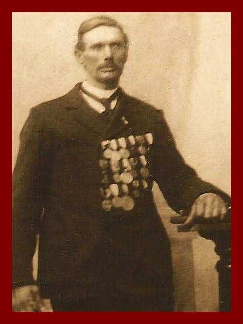 Courguinois alexandre paul dupont medailles encadre