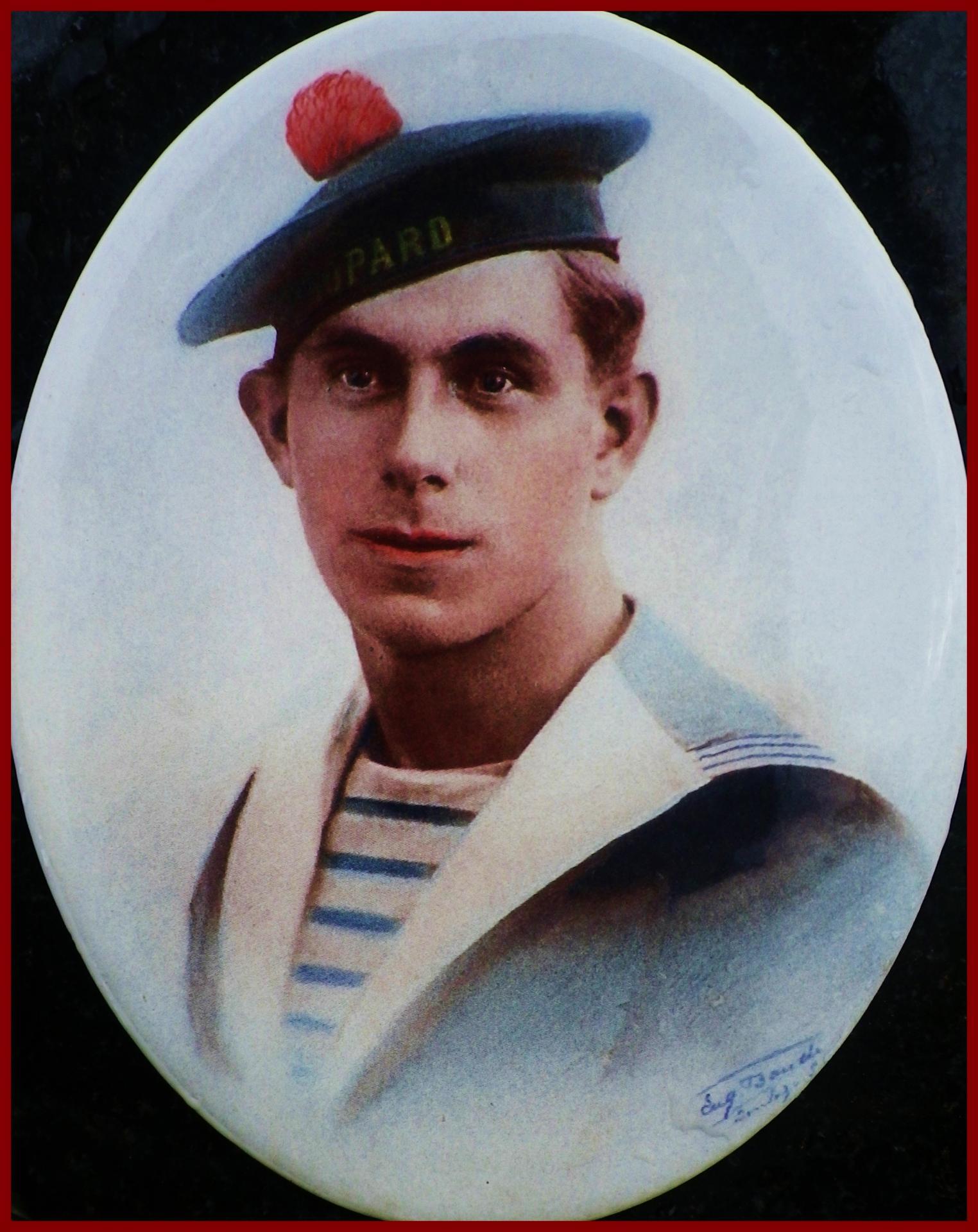 Courguinois eugene broutin disparu en mer 1910 1940 encadre