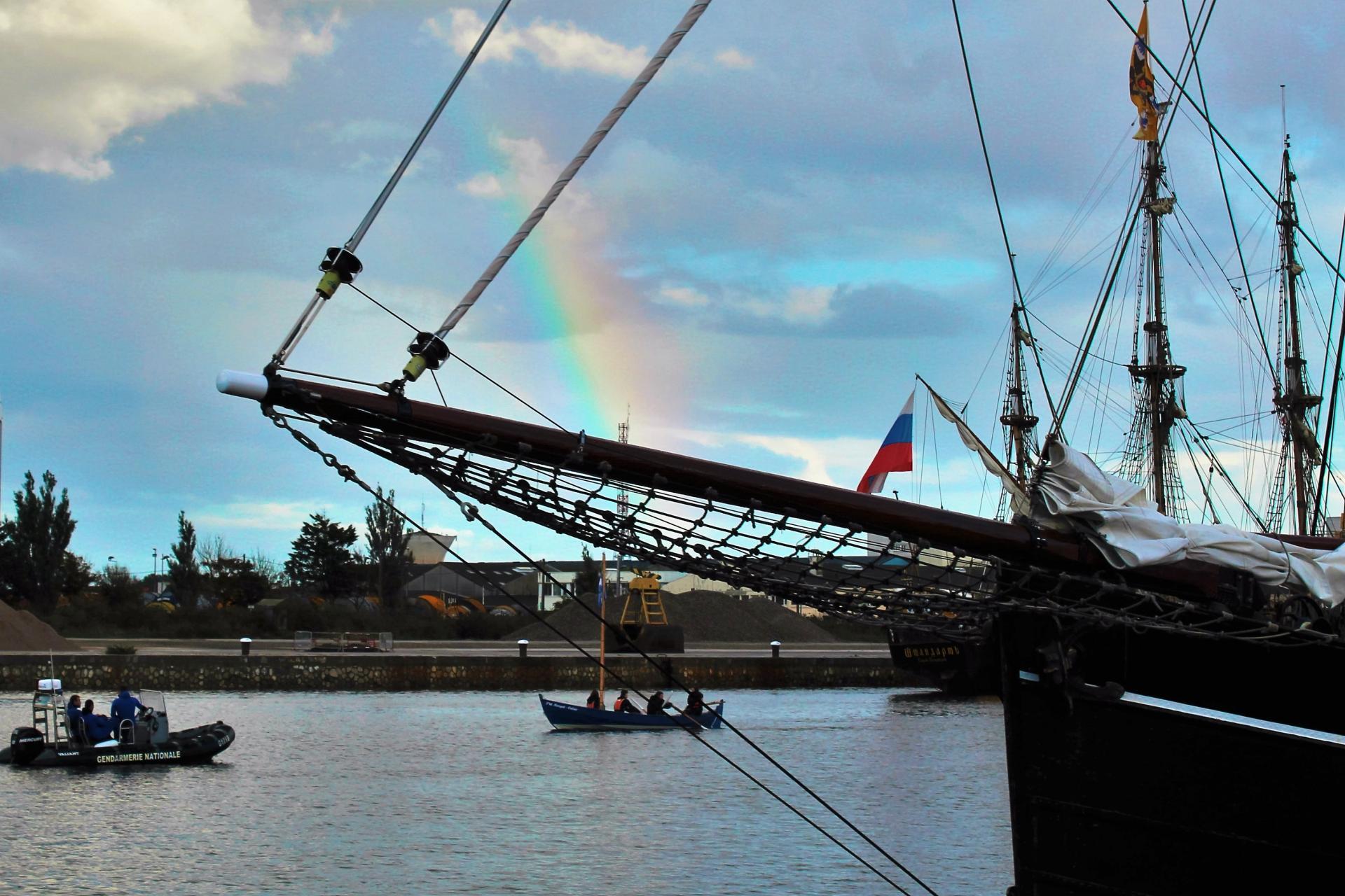 Escale à Calais 2016 les bateaux lors de la parade