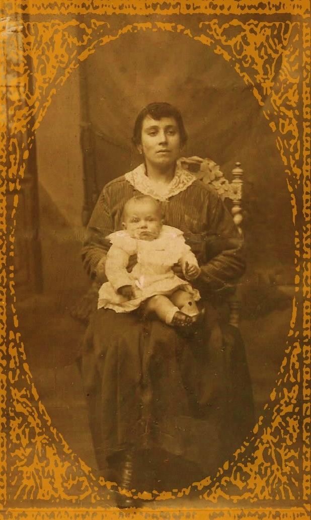 Louise antoinette dettamante soeur d helena dettamante nee en 1892 encadree