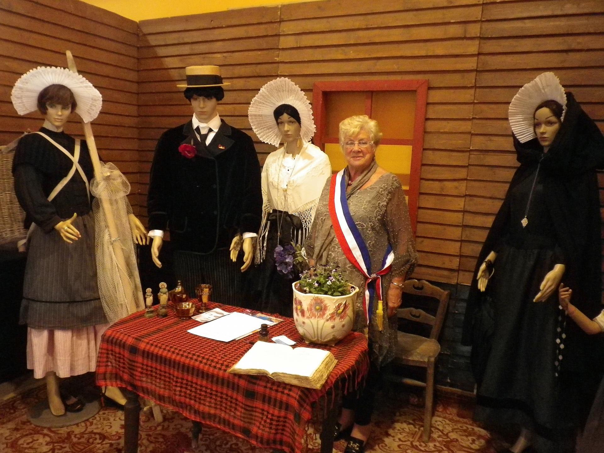 Mariage par madame jacqueline dewet des courguinois magritte et jean paul lors des journees du patrimoine a calais