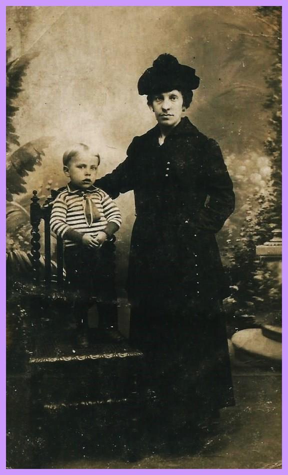 Theodora dettamante courguinoise veuve de guerre en 1915 encadree