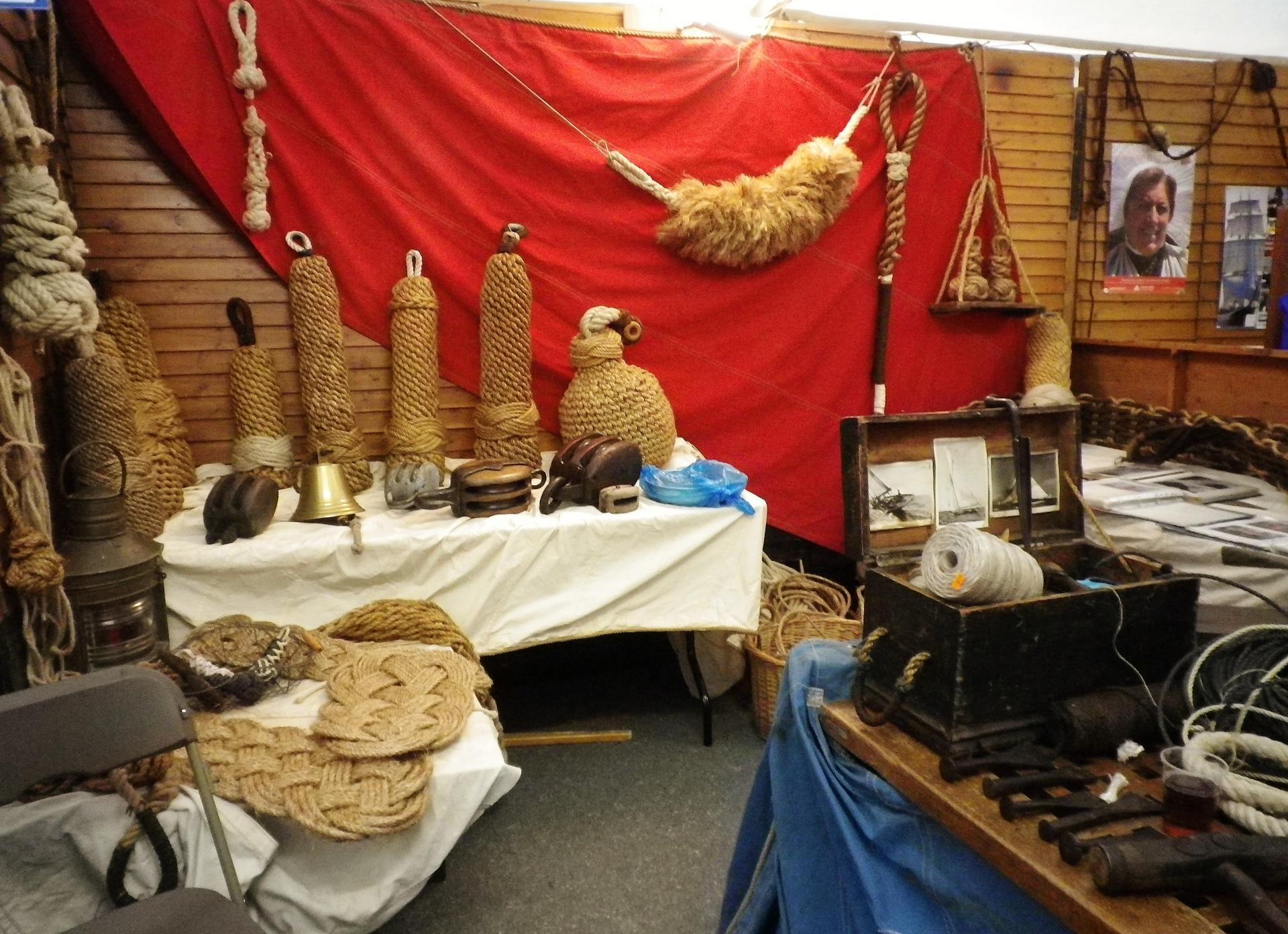 Travaux de matelotage fete du hareng calais 2014